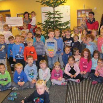 Scheck für das Kinderhaus in Zillendorf